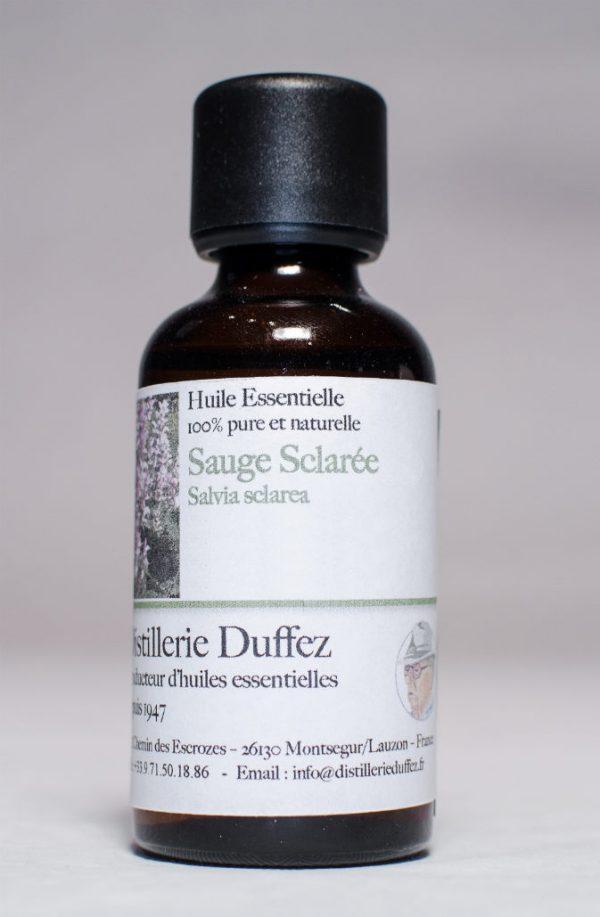 Huile Essentielle de Sauge Sclarée issue de Drôme Provençale, produit par la Distillerie Duffez producteur d'Huile Essentielle depuis 1947.